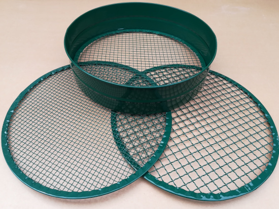 Sieve or Riddle (Multi mesh  6,9 & 12mm)
